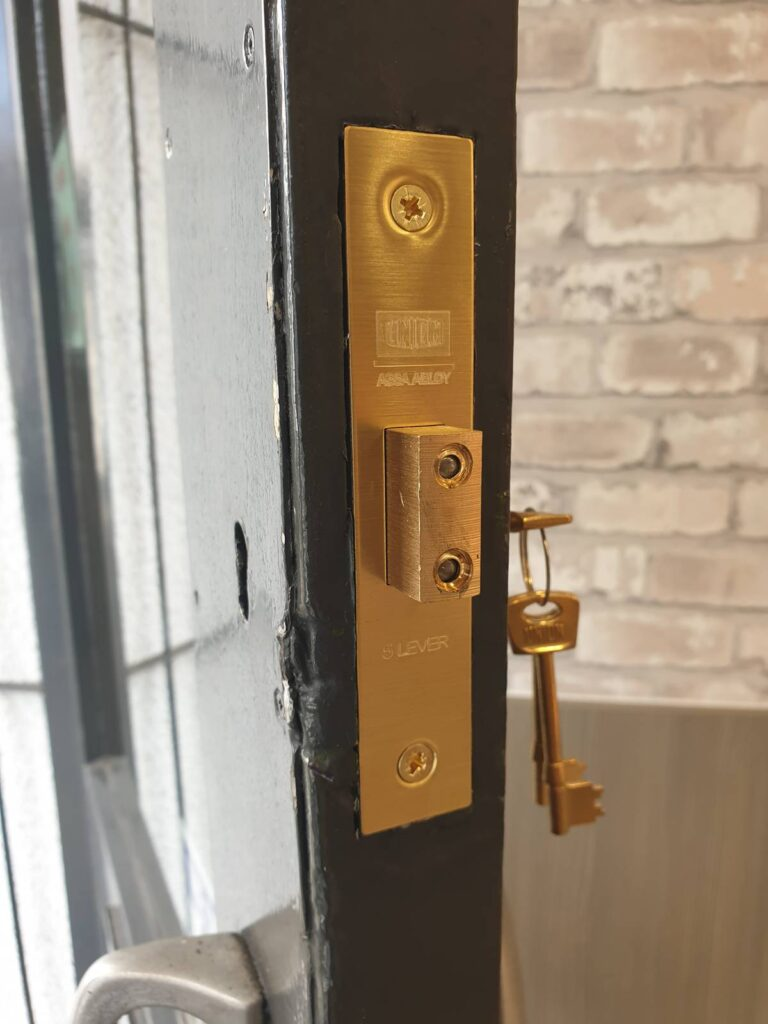 Emergency Locksmith Cardiff for CF23 bakery